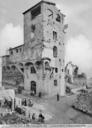 Seconda Guerra Mondiale: torre dei Mannelli all'imbocco del Ponte Vecchio a Firenze danneggiata dall'esplosione delle mine. Questa fotografia faceva parte della collezione Brogi poi confluita nella collezione Alinari
