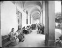 Pazienti dell'Ospedale di San Salvi, a Firenze, intente in piccoli lavori muliebri