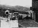 Piazza con fontana a Piana dei Greci